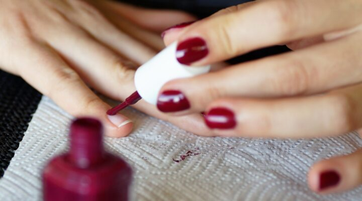 Which Type of Manicure Is Great for Trying At Home?